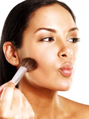 Πώς το κάνει η κοπέλα, κάπως έτσι! photo:www.beautyriot.com